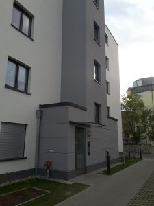 KfW-55-Mehrfamilienhaus, Eingangsbereich