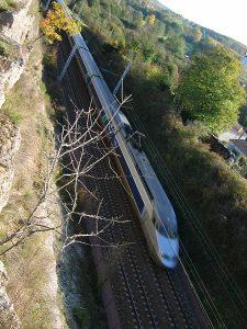 Blick auf einen französischen Hochgechwindigkeitszug